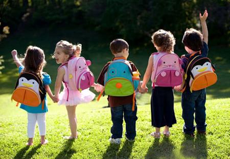哪些签证允许小孩在美国上公立学校?